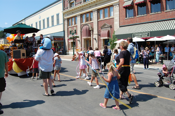 It must have been a hot slog for these kids who participated in the Alliance Church's entry in the parade, but they gamely persevered. David F. Rooney photo