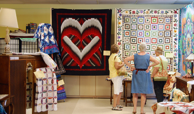 This magnificent quilt, Bargella Heart by Laurel Corrigan fairly leaps off the wall at viewers. David F. Rooney photo