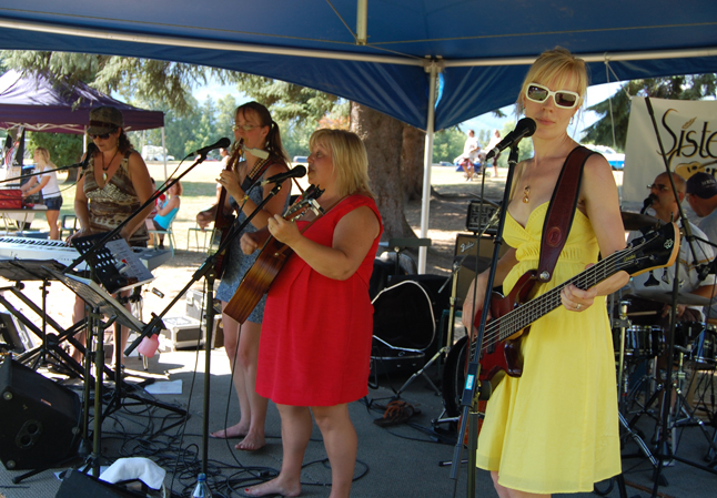 Revelstoke's all-girl band, called, appropriately enough SisterGirl, performed for the crowd at Picnic in the park. David F. Rooney photo