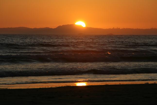 An inspiring sunset at Wikaninnish Beach. Photo courtesy of Cherie Vanoverbeke
