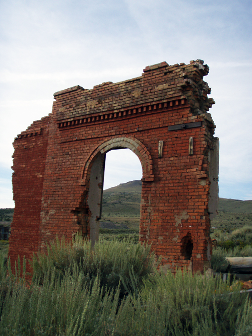 This brick archway is one of the few signs that humans once lived in Hamilton, a once-prosperous silver town in Nevada. Photo courtesy of Rich Hamilton