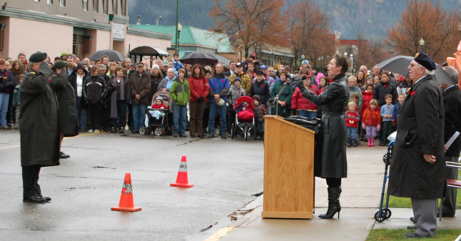 Sharon Shook sings O Canada at the start of the official ceremony. David F. Rooney photo
