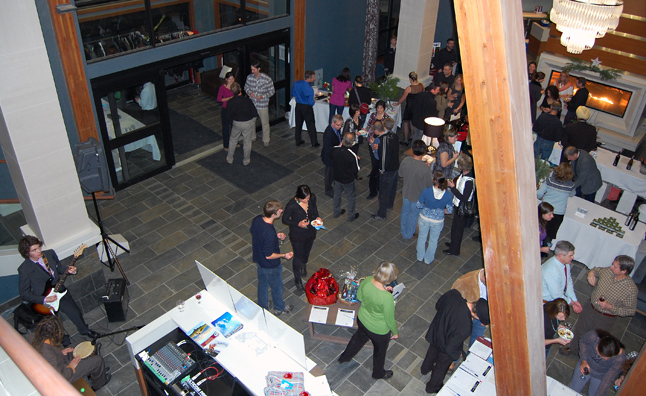 This bird's-eye-view of the early part of the evening gives you some idea of the set up in the lobby of the Nelsen Lodge.  David F. Rooney photo