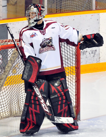 Cole Buckley, a 17-year-old from Penticton had his first home start — a shut out — against the North Okanagan Knights on Saturday. Photo by Staci Thur/Revelstoke Grizzlies