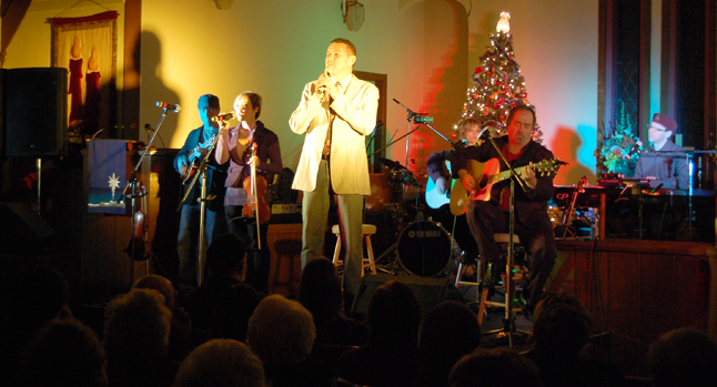 Jackson entertained and enthralled the crowd throughout his performance, singing a mix of Christmas songs, including the haunting Huron Carol. David F. Rooney photo