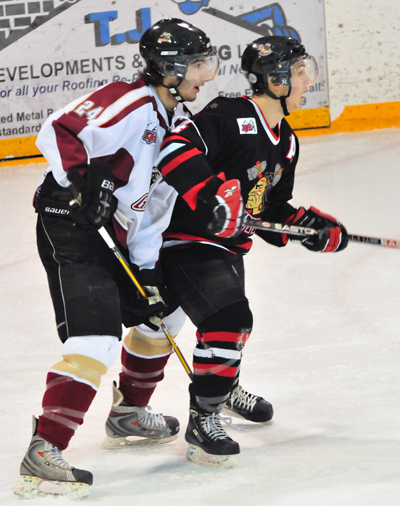 Caleb Roy (left) had a heck of a good game in Sunday with three assists against the Chase Chiefs. He was also named the game's First Star. Photo courtesy of Staci Thur/Revelstoke Grizzlies