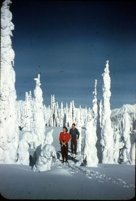 Skiers on Mount Revelstoke, circa tne late1940s. Colour slide by Earle Dickey courtesy of the Revelstoke Museum & Archives