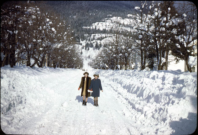 My how times have changed — even in winter. This is Mackenzie Avenue, circa late 1940s. Earle Dickey photograph courtesy of the Revelstoke Museum & Archives