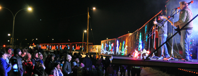 online-front-holiday-train