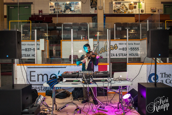 DJ Michael Fraser really set the audio stage with his selection of retro-funk tunes. Keri Knapp photo