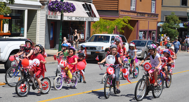 The very last people in the parade were another contingent of kids who spent the morning at Grizzly Plaza decorating their bikes. David F. Rooney photo