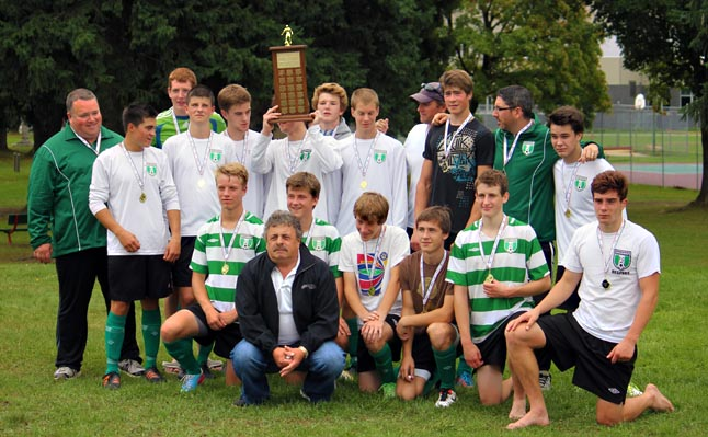 Shuswap U17 took the Gold and received the In Memory of Hank Van Goor and Aldo Sancovic Trophy for the Gold Medal U17 team. Linda Chell photo