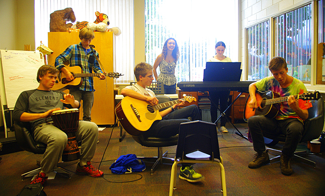 The young musicians are: Gordon Masson on bongos, Mack Mallet on Bass, Hailey Christie-Hoyle and Madison Howard on keyboards with Daniel Blackie on guitar and a new friend from Oliver named Curtis in the tie-dyed-shirt. The library is looking forward to hosting more Saturday afternoon teen jam sessions in the future. Look for information about that on the library's branch page: http://www.orl.bc.ca/branches/revelstoke and on the Revelstoke Branch Facebook page: https://www.facebook.com/pages/Revelstoke-Branch-Okanagan-Regional-Library/427827264001939?ref=hl. Lucie Bergeron photo