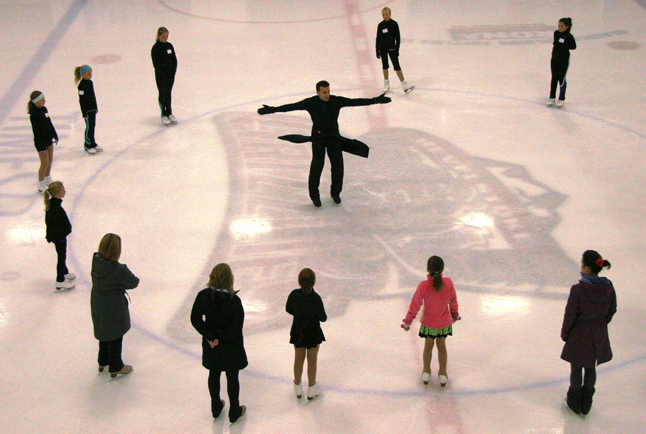 Revelstoke figure skaters had an awesome opportunity to learn from three-time Canadian National Medalist and World Competitor Ben Ferreira (center). Photo courtesy of Jennifer Walker-Larsen