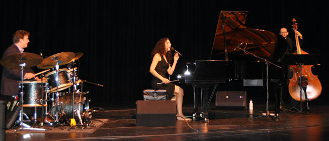 Talented Canadian jazz singer Laila Biali scored lots of applause at the Performing Arts Centre on Sunday evening. She played a broad selection of songs, both her own compositions as well those other singer-songwriters such as Ron Sexsmith, Neil Young, Leonard Cohen, Joni Mitchell and Jane Siberry.  Her next stop on tour is The Banff Centre. David F. Rooney photo