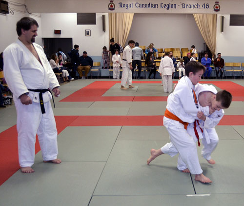 Everett Carter (Right) and Caine McCabe compete during Sunday's Judo competition,Robert Serrouya photo