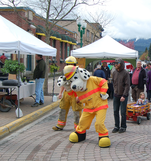 Even Sparky the Fire Dog ambled downtown to the Farm and Craft Market. David F. Rooney photo