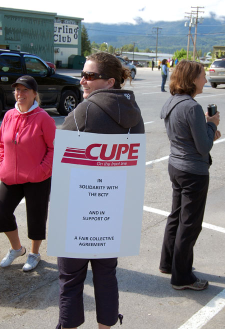 CUPE member Sonia Cinelli was one of the many Canadian Union of Public Employees members who walked the picket lines in support of the teachers. David F. Rooney photo