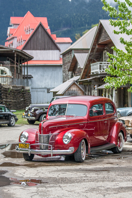 Little Red Rags-01 and these other cars really know how to set a scene. Jason Portras photo