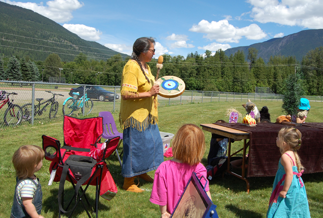 Dene Nation storyteller Judi Garner Niehaus mesmerizes some of the very young kids who attended the festival on saturday. David F. Rooney photo