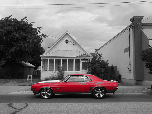 Retired CP railroader and man-about-town Bob Gardali has been seeing red lately. Oh, he's not ticked off at anyone — no one local anyway — but it seemed as though every time he turned around the other day he saw beautiful cars — all of them red, like this gorgeous Camaro. Bob Gardali photo