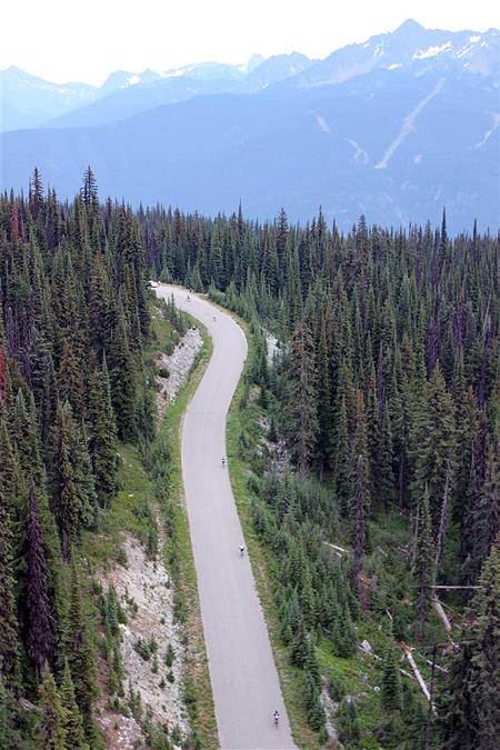 The 25 kilometre race saw 43 men and women enter to win. Warren Daniluck/Parks Canada