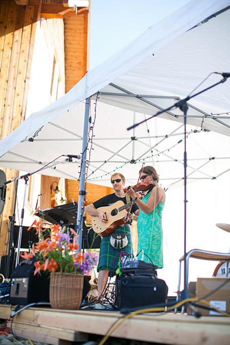 Gabe Taylor and Allie Haerie provided great music for the event. Photo courtesy of Rachel Ediger/Whitehart Photo