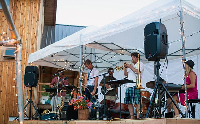 Back Alley Jazz provided pre-dinner music. Photo courtesy of Rachel Ediger/Whitehart Photo