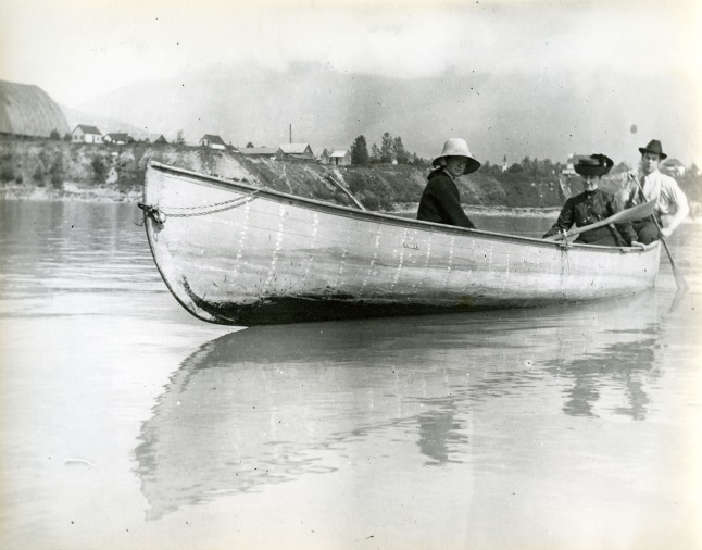 Shella Dickey, Mrs. A.N. Smith (later Mrs. J.M. Kellie) and Eph Smith in boat on Columbia River circa1910. Photo 3959 courtesy of the Revelstoke Museum and Archives