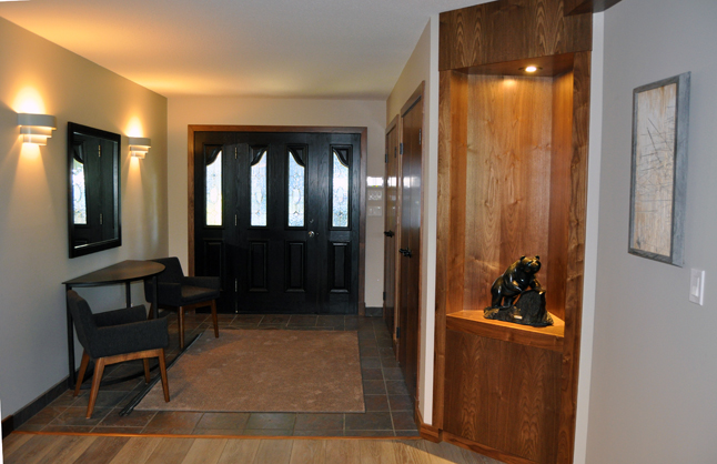 The entry hall is tasteful, spacious and well-lit. David F. Rooney photo