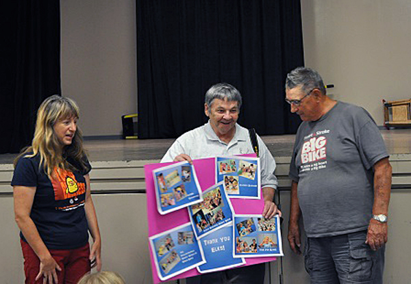 Elks Club members George Hopkins and Clancy Boettger had fun at the SRC party. Every year the generous Elks Club helps finance the program. Photo courtesy of the Revelstoke Branch of the Okanagan Regional Library