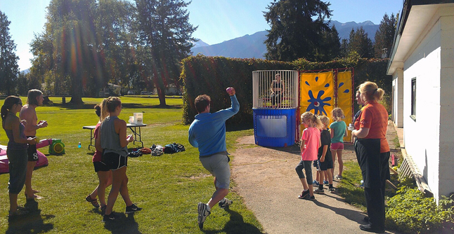 After the 10-kilometre run there was plenty to do at the Golf Club. Your could play gold for free, if you were accompanied by a child, or have fun with the dunk tank set up by Team Gloria. Photo courtesy of Emma Kirkland