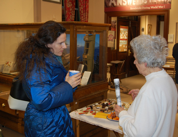 Jacolyn Daniluck chats with Helen Grace at the opening. David F. Rooney photo
