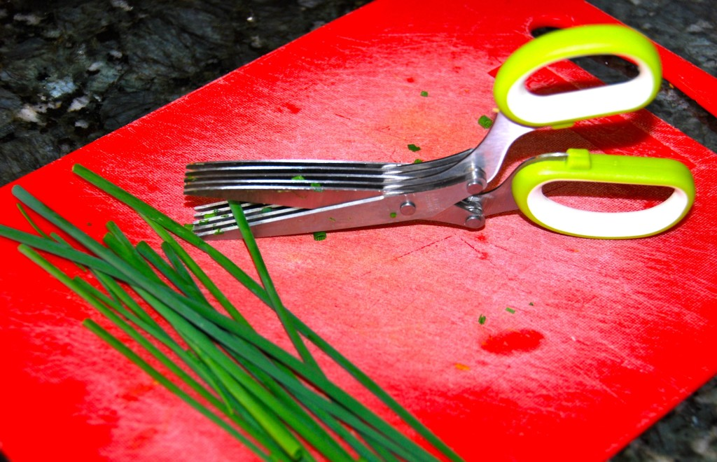 Special scissors are a luxury but very convenient