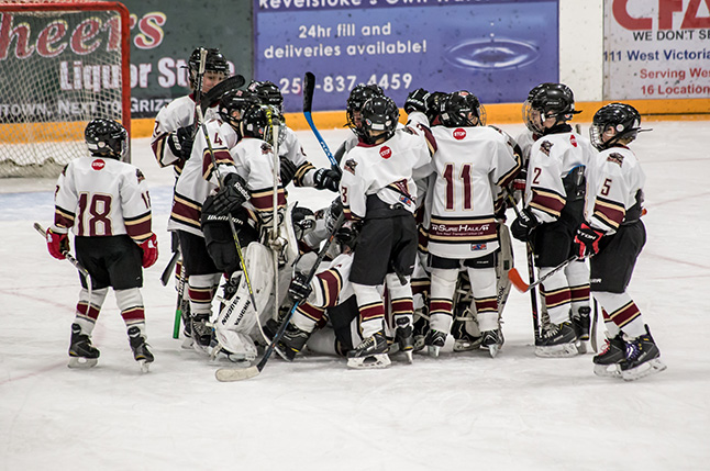 The Grizzlies celebrate their win over the Fury. Jason Portras photo