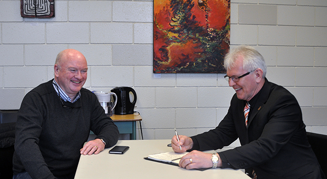 Mayor Mark McKee shares a chuckle with our new MP, Wayne Stetski of the New Democratic Party, on Thursday, February 11. Stetski was in town to meet with constituents at the Reveklstoke branch of the Okanagan Regional Library. He was also interviewed for an In Conversation video that will appear on The Current on Saturday, February 13, and on RCTV (TBA). David F. Rooney photo