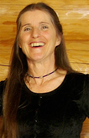 Suzanne Leclerc of Vazzy.