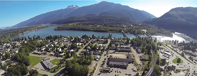 online-front-drone-over-revy