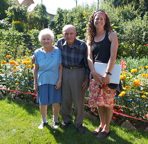 rah Newton (right) poses with Jon and his late wife Emilia in the garden of their home on Connaught Avenue. Photo courtesy of Sarah Newton